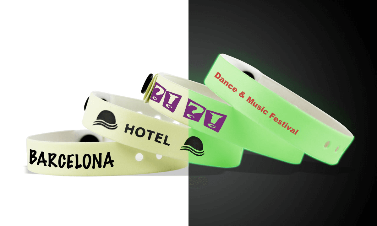 Custom Glow In The Dark Vinyl Wristbands 13 mm
